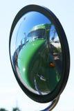 Réflexion de miroir d'aile Images stock