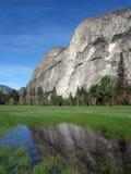 réflexion de montagne Image libre de droits