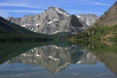 Réflexion de montagne Photo stock