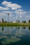 Réflexion de moulin de vent Photographie stock