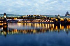 Réflexion de pont Photographie stock