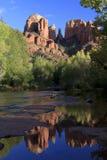 Réflexion de roche de cathédrale Photos stock