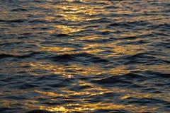 Réflexion de Sun sur l'eau Photo libre de droits