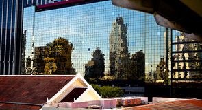 Réflexion de ville Photographie stock libre de droits