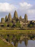 Réflexion de wat d'Angkor Images libres de droits