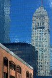 Réflexion du bâtiment de Minneapolis photographie stock