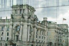 Réflexion du Reichstag Photos libres de droits
