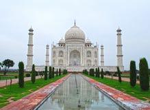 Réflexion du Taj Mahal Photographie stock