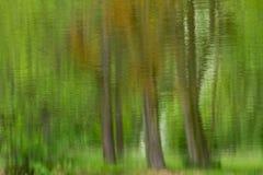 Réflexion impressionniste du niveau d'eau image stock