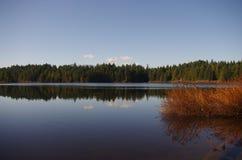 réflexion magnifique sur le lac photographie stock