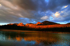 Réflexions 6 de montagne Image libre de droits