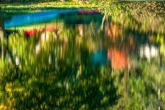 Réflexions colorées par automne Photo libre de droits