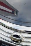 Réflexions dans Nissan Images stock