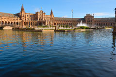 Réflexions de l'eau au grand dos de l'Espagne Images stock