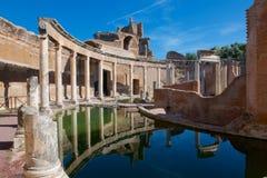 Réflexions de la villa de l'île à la villa de Hadrians photos libres de droits