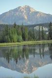 Réflexions de montagne Photos libres de droits