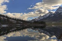 Réflexions de montagne Photographie stock