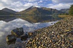réflexions de montagne de lac Photo libre de droits