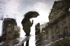 Réflexions de pluie dans un magma Photos libres de droits