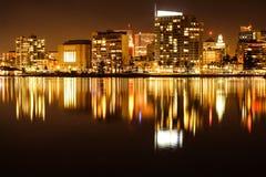 Réflexions de ville Photos stock