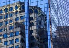 Réflexions des bâtiments de ville Photo libre de droits