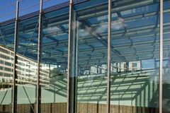 Réflexions des constructions Photos libres de droits
