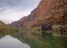 Réflexions du fleuve Colorado photos libres de droits