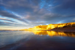 Réflexions en plage de Sopelana images libres de droits