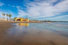 Réflexions le long de Santa Cruz Beach Boardwalk image libre de droits