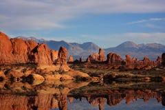 Réflexions rouges de roche Photographie stock