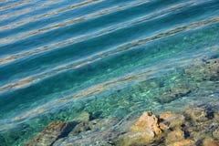 Réflexions sur la mer Photo stock