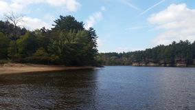 Réflexions sur la rivière Wisconsin photo libre de droits