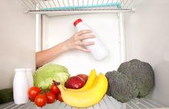 Réfrigérateur intérieur Photographie stock