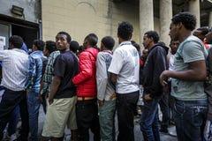 Réfugiés bloqués dans Como près de la frontière suisse Photos stock
