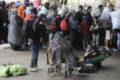 Réfugiés dans Nickelsdorf, Autriche photos stock
