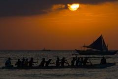 Régate au coucher du soleil, Boracay, Philippines Photos stock
