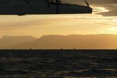 Régate de navigation au coucher du soleil Photo libre de droits