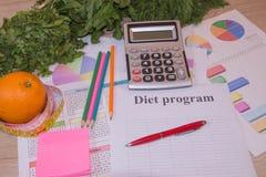 Régime d'aliment biologique naturel sain, régime faible en calories de fruits et légumes de récolte mûre Concept de contrôle de p photos stock
