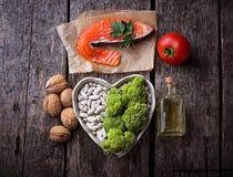 Régime de cholestérol, nourriture saine pour le coeur image stock