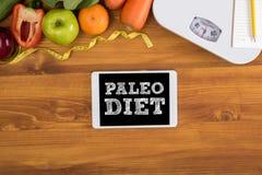 RÉGIME de PALEO (forme physique et montant éligible maximum de concept, de fruit et de bande de perte de poids Photos libres de droits
