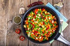 Régime et alimentation saine, ragoût végétal avec des haricots Photos libres de droits