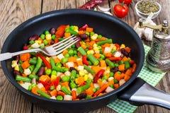 Régime et alimentation saine, ragoût végétal avec des haricots Photo libre de droits