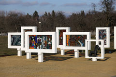 Région de Gomel, secteur de Zhlobin, VILLAGE ROUGE de PLAGE, Belarus - 16 mars 2016 : Complexe commémoratif en plage rouge Photographie stock