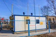 Région de Kaluga, Russie - avril 2017 : Point de distribution de gaz dans la ville photos stock