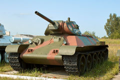 RÉGION DE MOSCOU, RUSSIE - 30 JUILLET 2006 : Réservoir soviétique T-341941 dedans Photographie stock