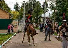 RÉGION DE MOSCOU - 6 SEPTEMBRE : Bataille historique de reconstitution de Borodino à son anniversaire 203 Photo libre de droits