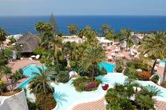Région de récréation avec les piscines et la plage Photos stock