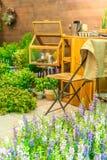 Région de relaxation dans le jardin images libres de droits