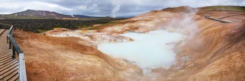 Région Islande du nord-est Scandinavie de Myvatn de région volcanique de Krafla de panorama de formation de rhyolite de Leirhnjuk photos stock