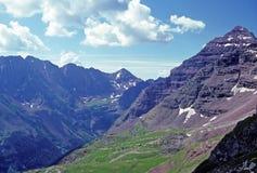 Région sauvage de haute montagne Photos stock